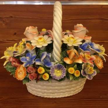 Oval basket with handle, Mixed flowers