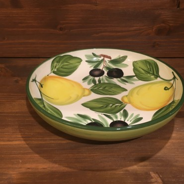 Round shaped Spaghetti bowl with Lemons and Olives