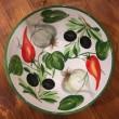 Ciotola tonda decoro interno Aglio Peperoncini Olive esterno fascia verde