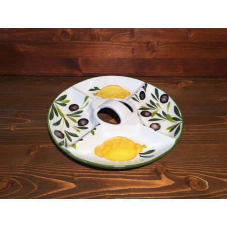 Vorspeisenteller Zitronen und Oliven