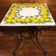 Tisch Schmiedeiseen und Keramik Motive Zitrone
