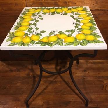 Tavolino in ferro battuto piastra ceramica decoro Corona Limoni