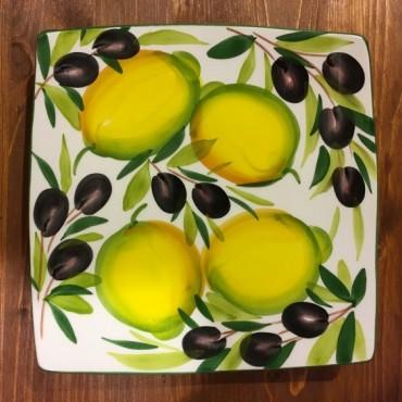 Teller Nevi Zitrone und Oliven