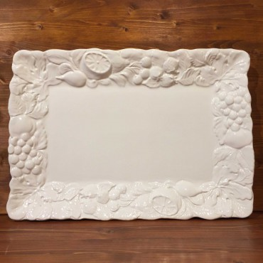 Rechteckige Platte mit Früchten in weißem Relief