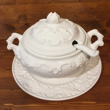 Soup tureen Ø 25 cm complete with ladle and plate Ø 40 cm Empire style Relief